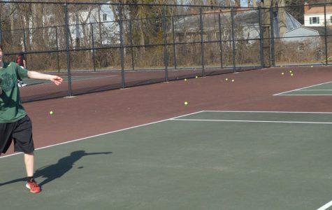 Varsity Boys Tennis Team Expects to Achieve Success