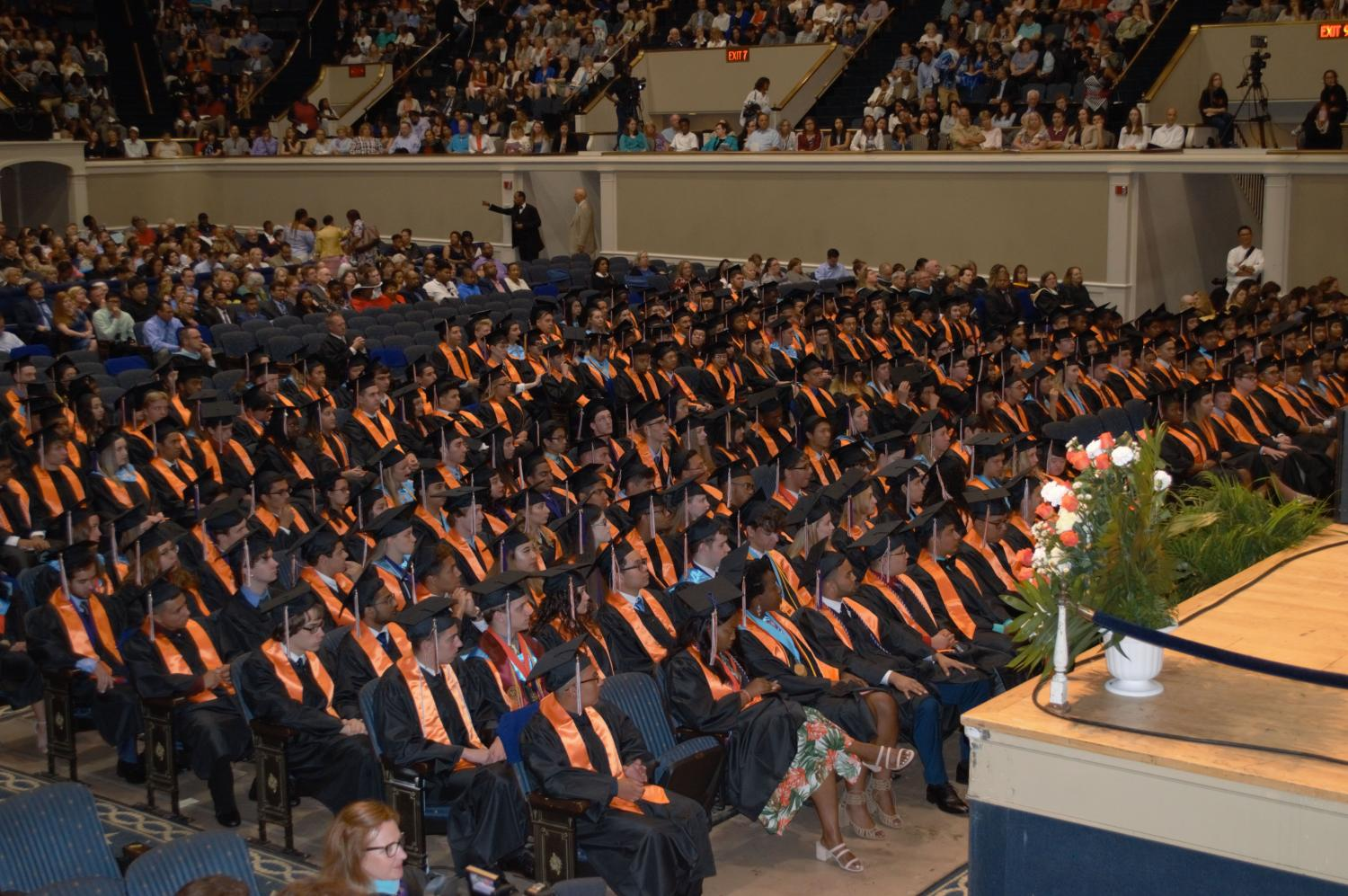 An overview photo of the class of 2017 graduates.