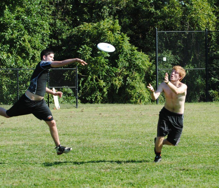Danny+Donelly+runs+for+a+pass+at+frisbee+practice.+The+group+meets+every+Wednesday+at+Earle+B.+Wood+Middle+School+for+practice.+--Adam+Bensimhon