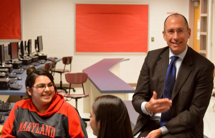 Superintendent+Visits+School%2C+Observes+New+Implementations