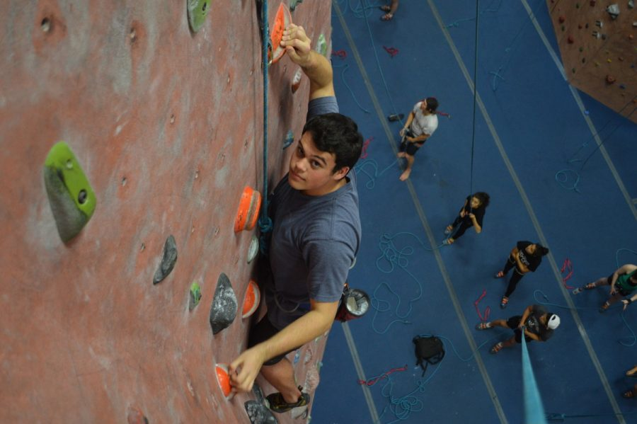 Rock+Squad%E2%80%9D+president+senior+Austin+Brahin+tackles+a+climbing+wall+at+Earth+Treks.+%0AHe+and+the+rest+of+the+club+meet+every+Tuesday+to+climb%2C+and+continue+to+%0Aseek+out+new+members+and+opportunities.+--Claudia+Mirebme