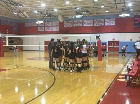 Rams Secure First Win in Straight Sets