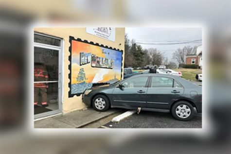 6 Cars Drive Into Stores in Montgomery County