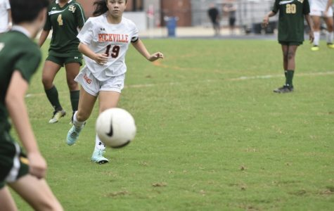Girls Varsity Soccer Adds 8 Freshmen, One as Captain