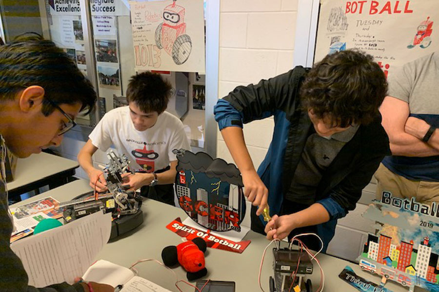 The Incredibots promote their robots at the annual RHS club fair. They are ranked fifth in the world after the Global Conference on Educational Robotics competition.